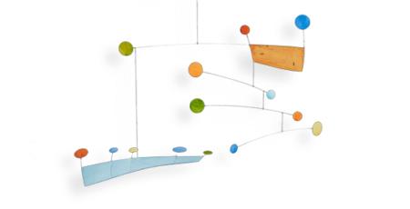 Mobilé Anni (hellblau, orange, bunt gepunktet) - Papierkunst in Bewegung, als Dekoration und Raumgestaltung